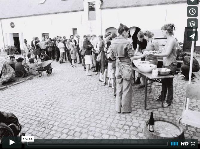 Montage vidéo réalisé par Laurence Demaret pour l'asbl Corps et logis, haut lieu culturel alternatif néo-louvaniste, avec la musique de Philaretordre.